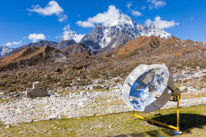 Solar cooker in the Nepali mountains